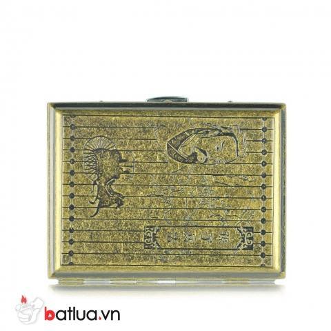 Hộp đưng thuôc lá kim loại màu đồng cổ khăc hình trung cổ loại 16 điếu