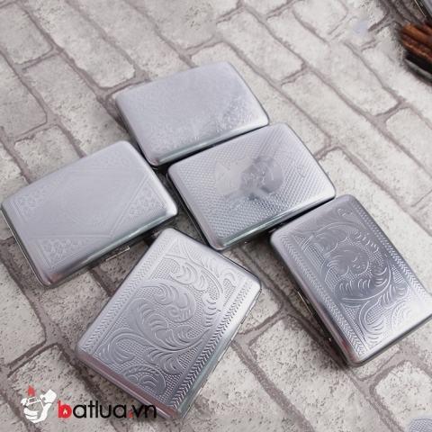 Hộp thuốc lá mầu bạc khắc hoa văn đựng 16 điếu